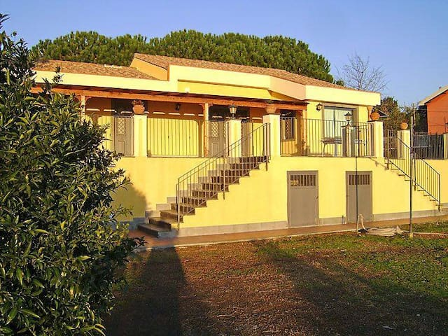 Villa Linda, tra Taormina e Catania con vista mare - Mascali - Casa de camp