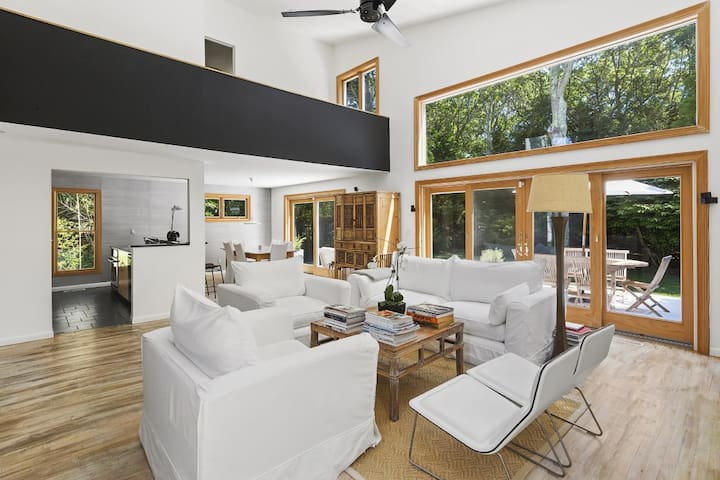*Ultimate Five Star Modern Luxury* in East Hampton