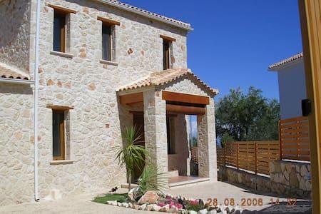 Villa Dora - luxury private villa with pool - Tragaki