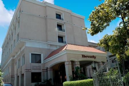 3 Star Classified Hotel - Chennai - Wikt i opierunek