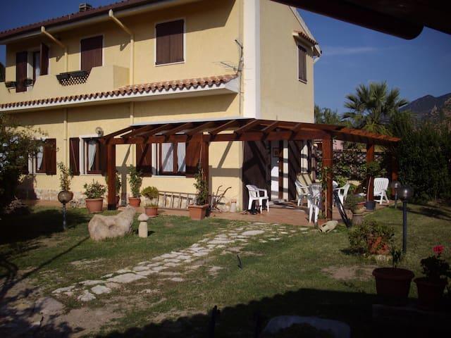 Villetta zona Muravera Costa rei - San Priamo - Haus