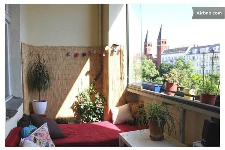 sonniges Zimmer mit Balkon - Berlijn - Appartement