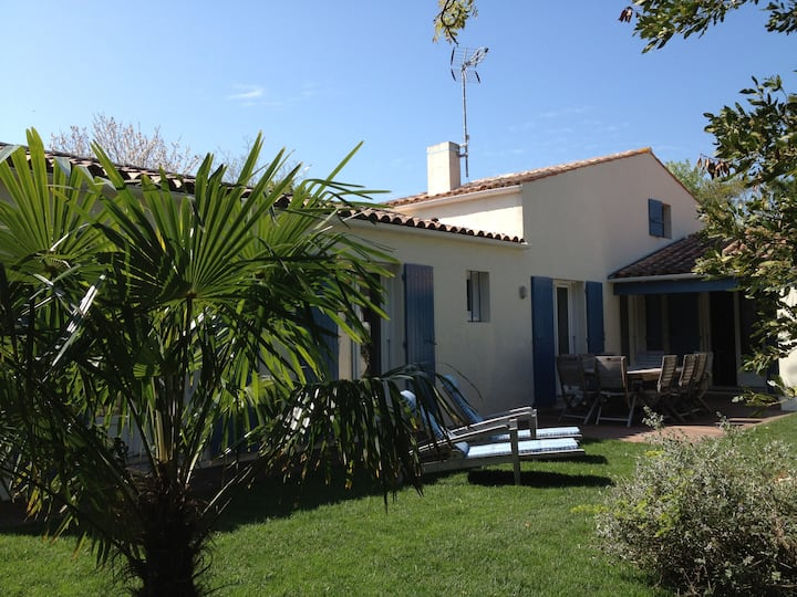 """""""La Bergerie"""" Grande villa 3* à 30 m de la plage"""