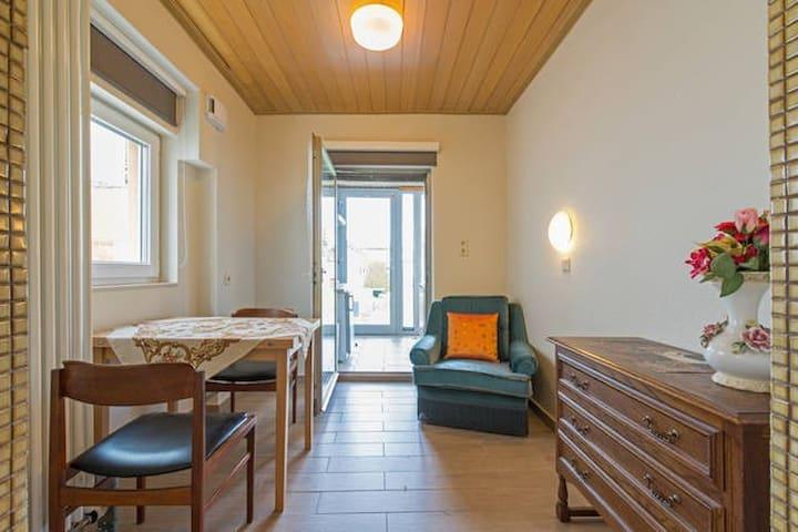 Apartment mit 2 Schlafzi. im Garten - Mörfelden-Walldorf - Haus