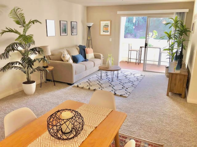 Beautifully decorated bohemian/surfer style two bedroom condo.