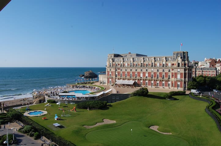 VIEW SEA+PALACE, CENTRE BIARRITZ & 50M BEACH+WIFI