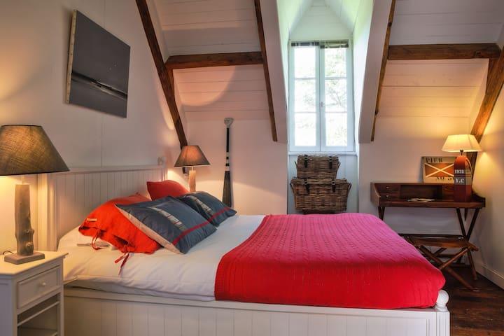 Chambre privée O dans château - Concarneau - Bed & Breakfast