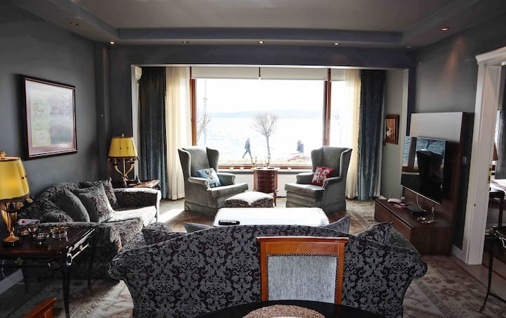 Luxury Seaside Apart w/Bosphorus View in Sarıyer