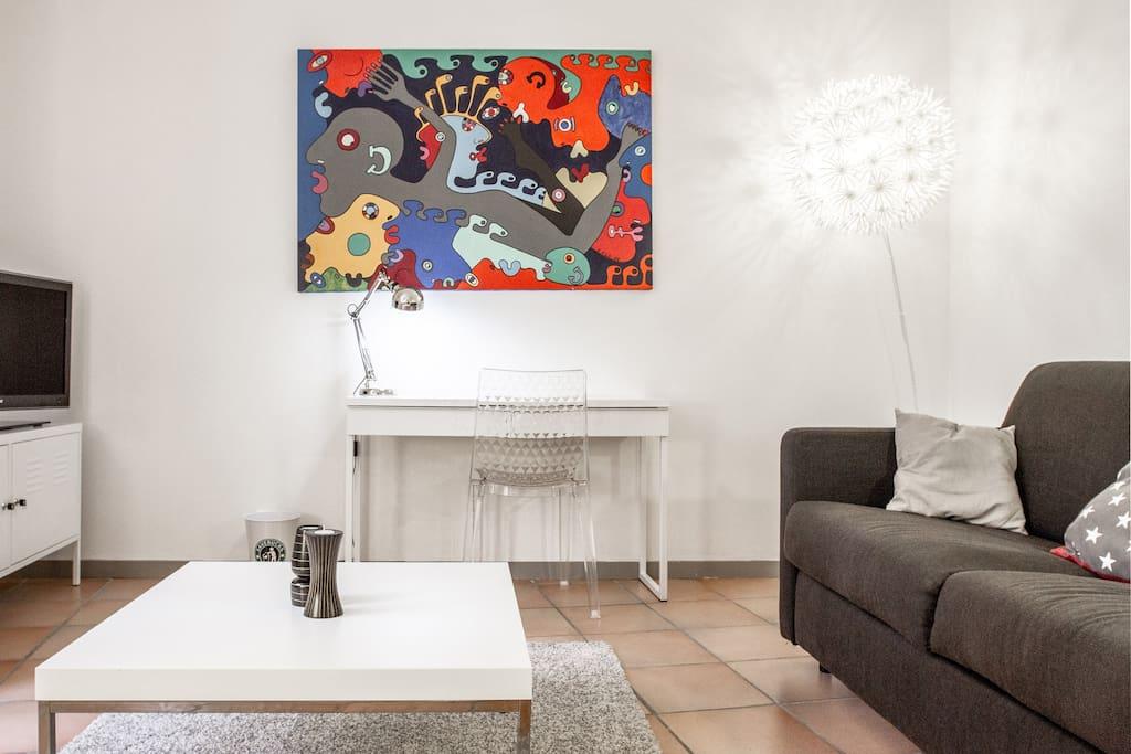 joli studio aux carmes appartements louer toulouse midi pyr n es france. Black Bedroom Furniture Sets. Home Design Ideas