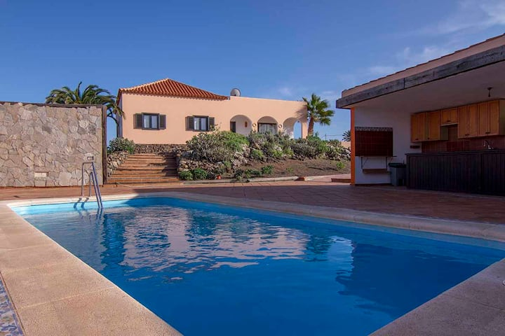 Villa Sunset Lajares   self retreat