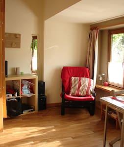 Logement rénové et chaleureux - Court-St.-Étienne