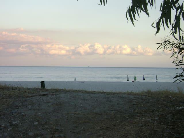 VILLAGGIO CAMPING CASTELVETERE 50m dalla spiaggia - Caulonia Marina - Casa adossada