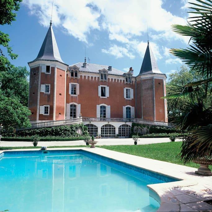 Château & piscine