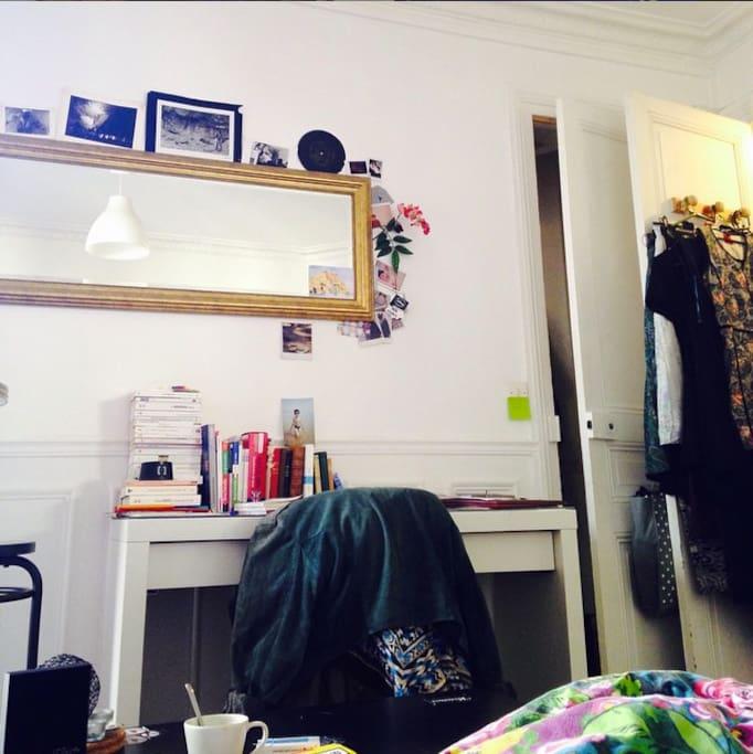 Studio Agr Able Typique Parisien Appartements Louer