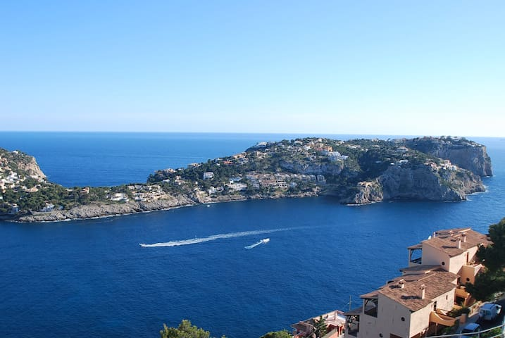 BREATH TAKING VIEWS OVER THE SEA - Port d'Andratx - House