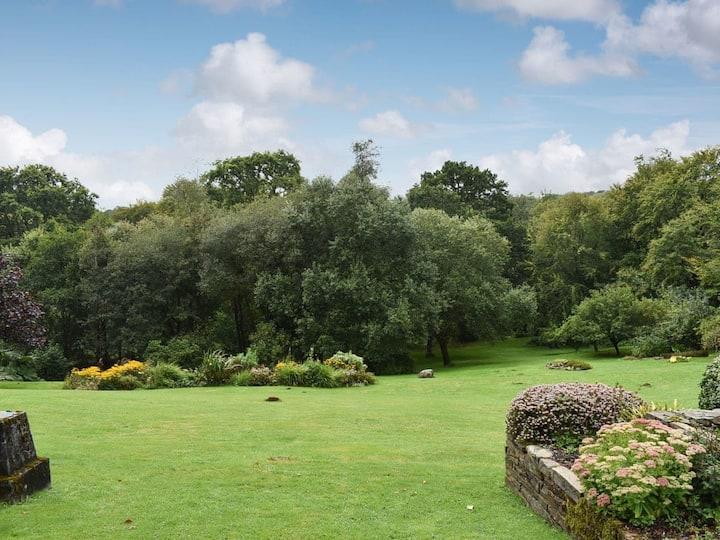 Orchards (UK12825)