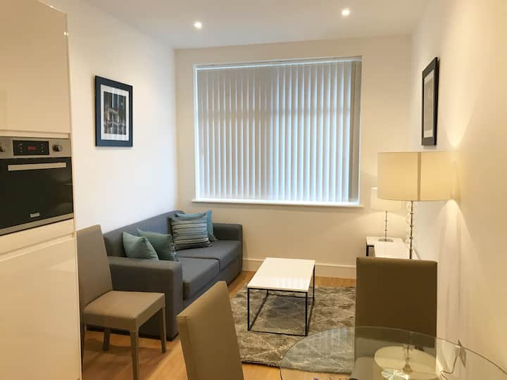 5* Luxury 1bed Apartment - The Landmark Luton LU1