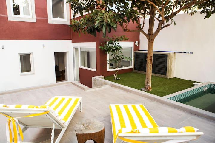 2 Bedrooms Apt. w/ Pool Estrela