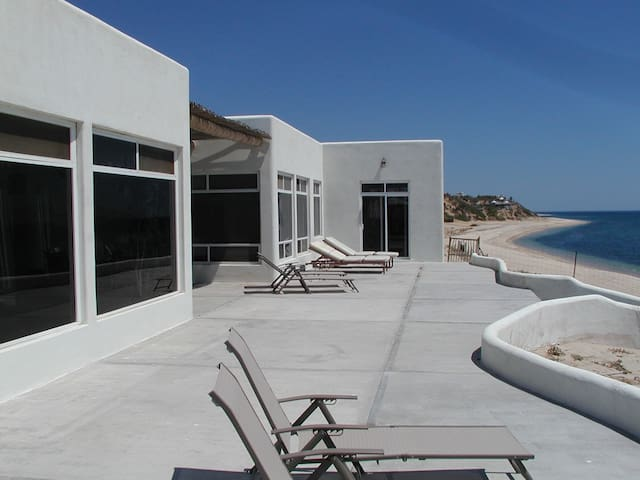 1 bedroom Beachfront on the Water! Ask about Pool - La Ventana - Casa