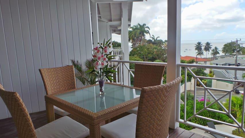 Lantana 15, sea view, penthouse apt - Weston - Lakás