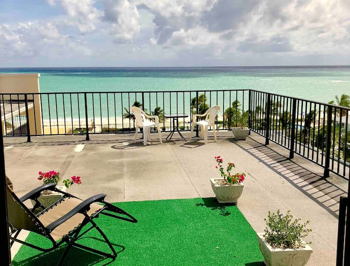 Premium - Top Floor- Beachfront Unit! Coral B 1605