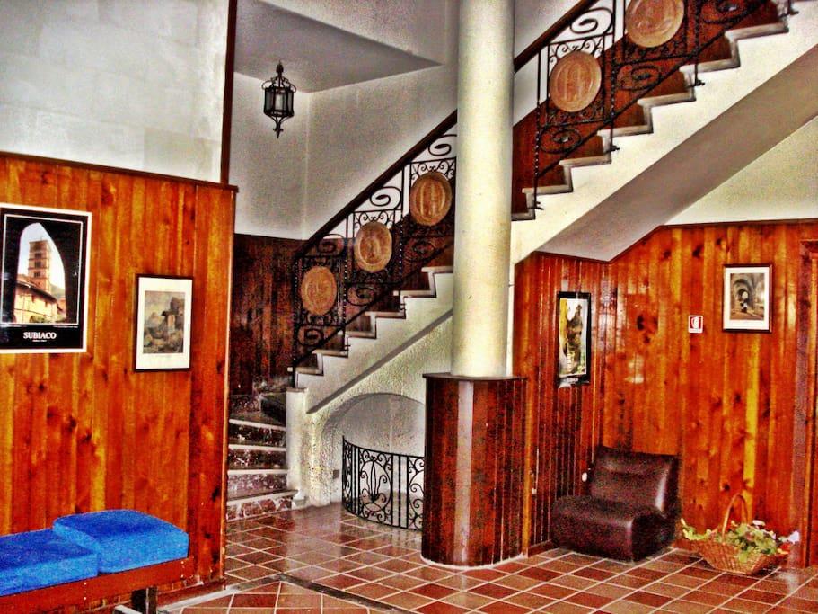 Residence appartamenti monte livata appartamenti in for Appartamenti in affitto arredati a roma
