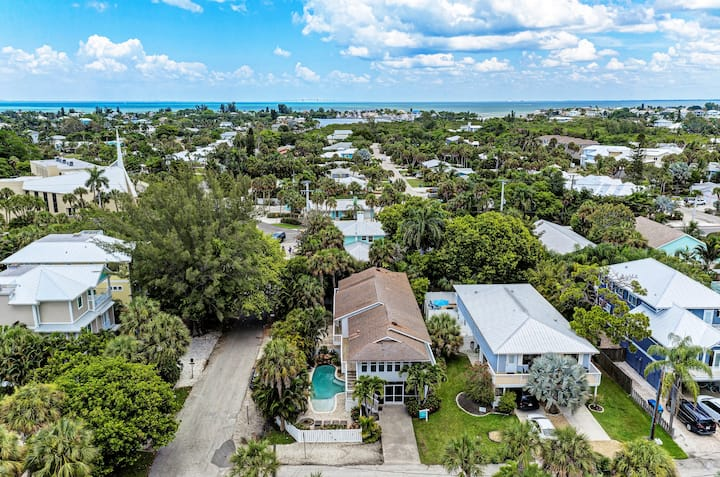 Flip-Flop Walk to the Beach in Updated Duplex with Shared Heated Pool