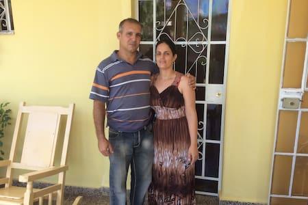 Vinales, Cuba is Beautiful! - Viñales - Hus