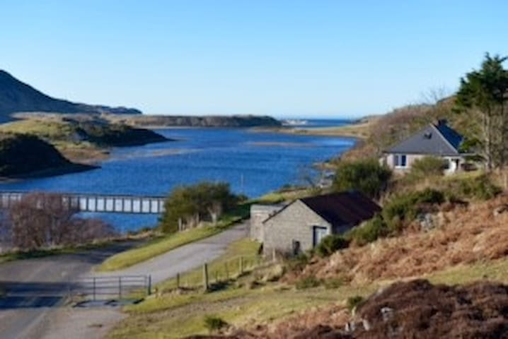 Cosy wee house by the River Naver - Bettyhill - Casa