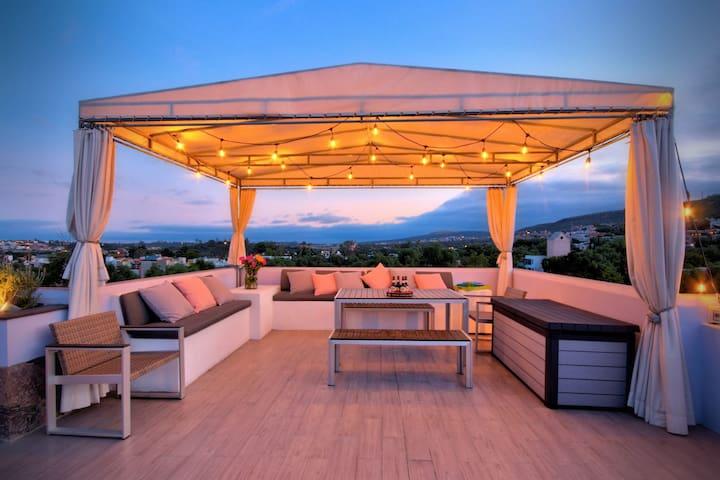 CENTRO-CASA ANA, A luxury Airbnb Experience