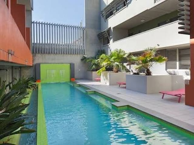 Double Room private in 2 story apartment