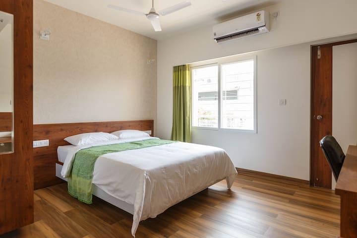Room with Balcony @ Kalyannagar | 3km to Manyata Tech Park