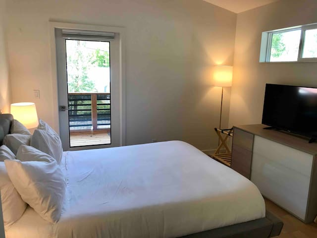 Main bedroom, with television