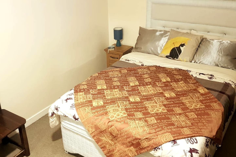 Central Edinburgh, Double Bedroom