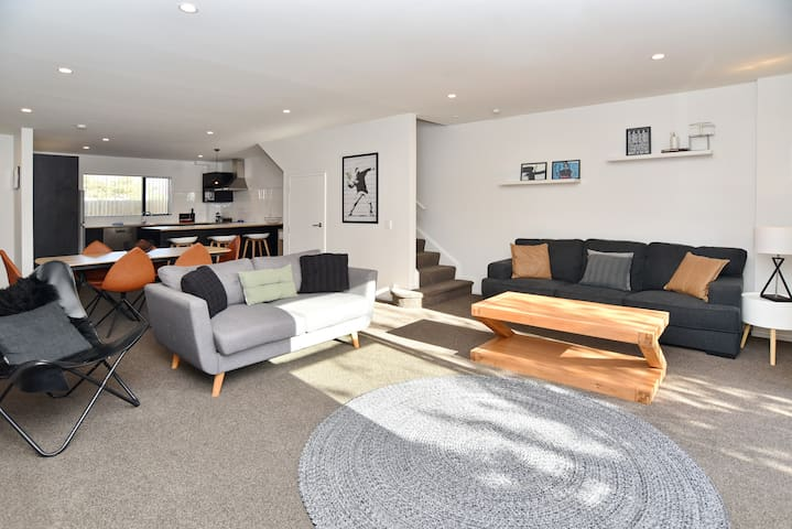 Parlane Apartment 1 - Brand new spacious apartment