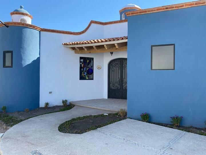 """Cómoda y segura Villa en  Rancho """"Los Labradores"""""""