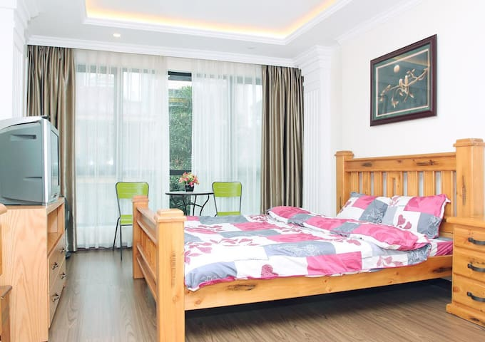 Central Private Room in Lively Cau Giay District - Hanoi - House