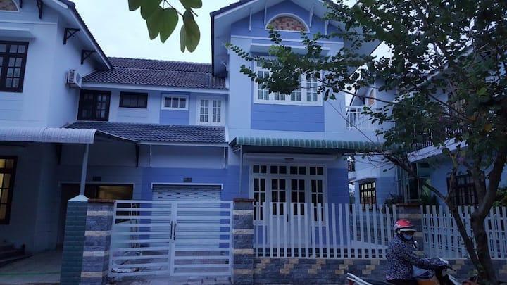 Cho thuê nhà tại làng chuyên gia Ruby land