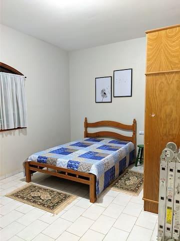 SUITE - 01 cama de casal e 01 beliche