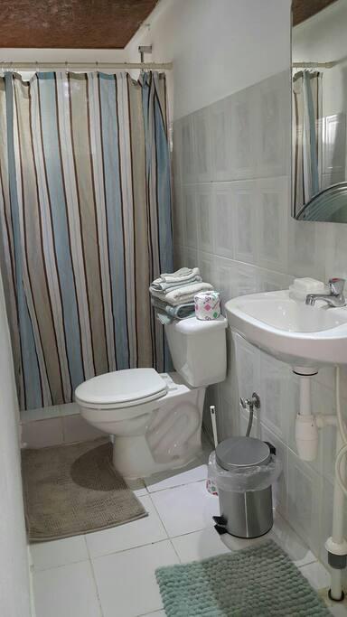 Studio's bathroom