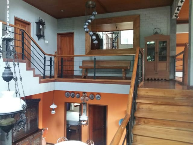 Guest house - Dago Pakar - บ้าน