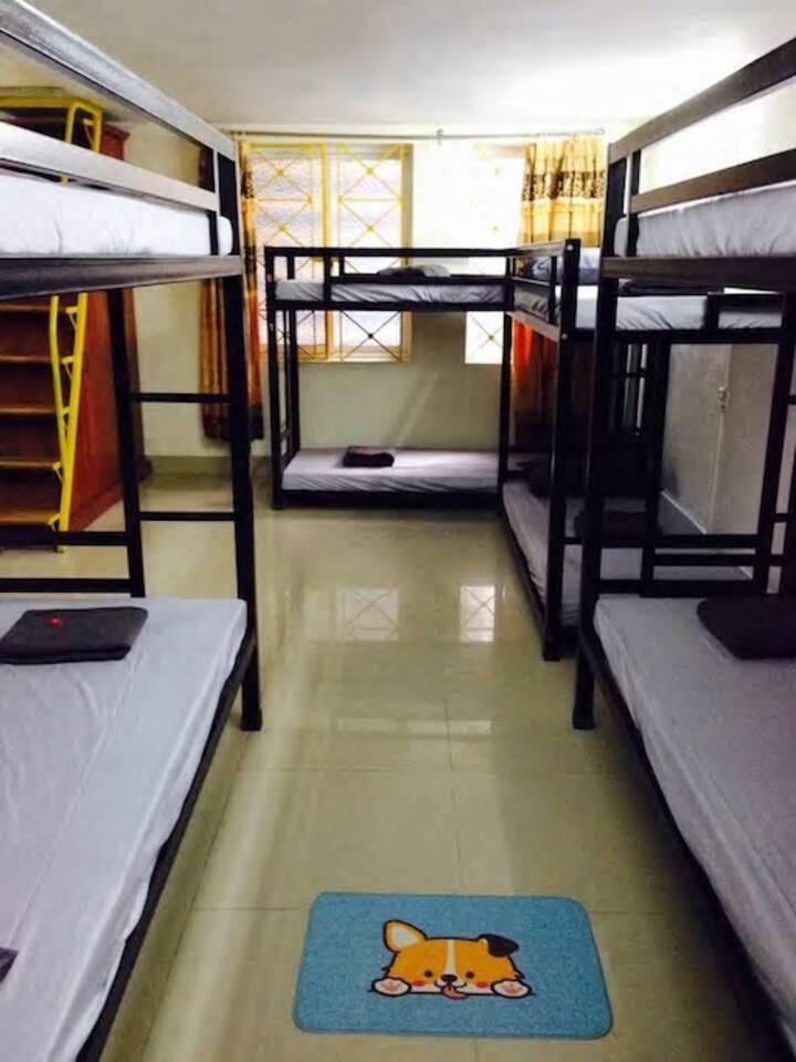 rent 16 floor, street, Ha Dong area 90m2 price 5tr