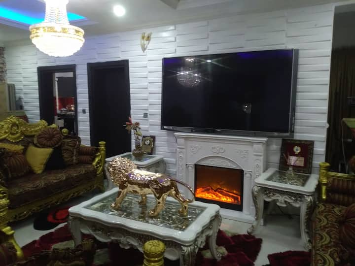 2 bedroom Furnished apartment available