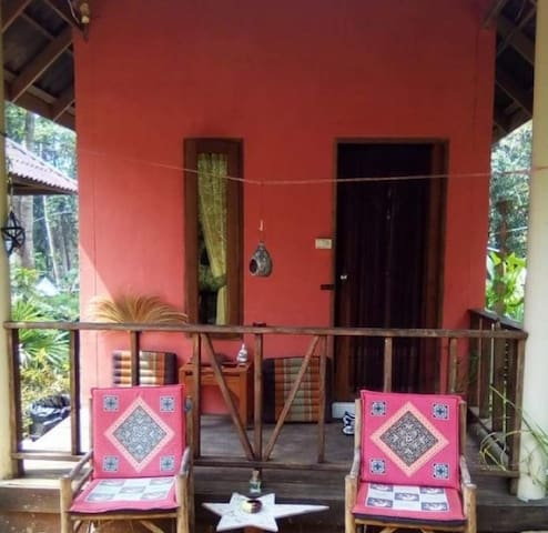 FAN Bungalow in  Peaceful Jungle View Solar Garden