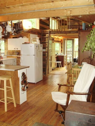 Dragonfly Cottage / Six Mile Lake / Muskoka - Kilworthy - Srub