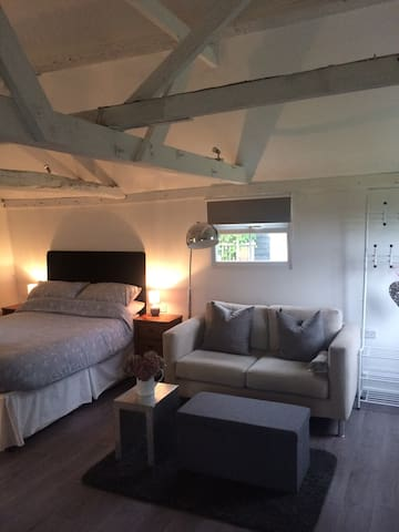 Cosy, Comfy and Chic B&B