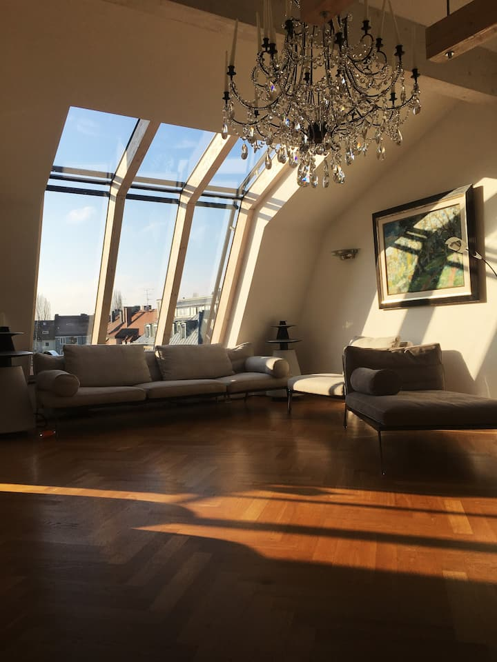 Huge, luxurious loft, airy and lightful!