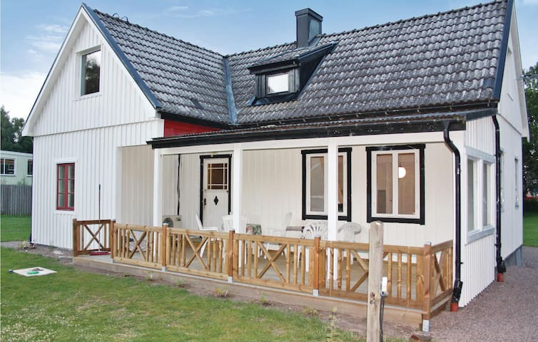 Holiday cottage with 2 bedrooms on 110m² in Höör