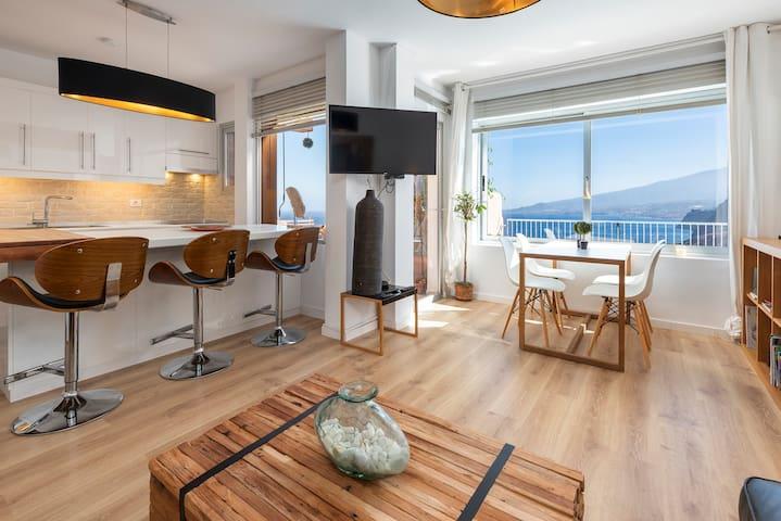 HomeLike Stunning Atlantic Views Apartment, Wifi