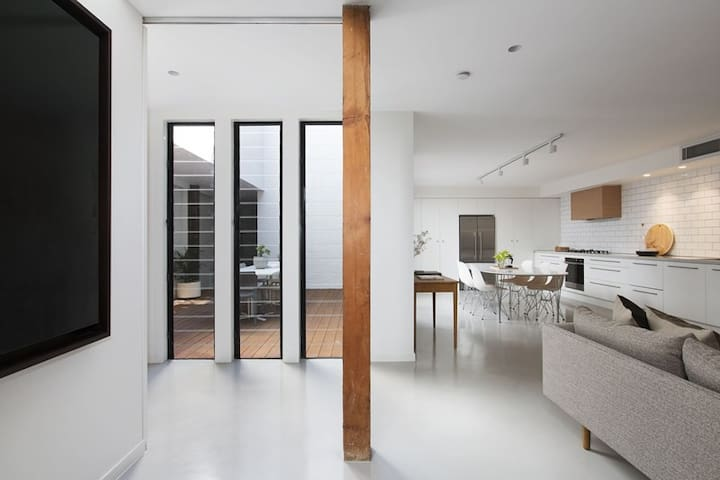 Modern warehouse conversion - Leichhardt - Maison de ville